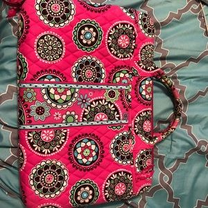 Vera Bradley laptop case! Pattern is Pink Cupcake